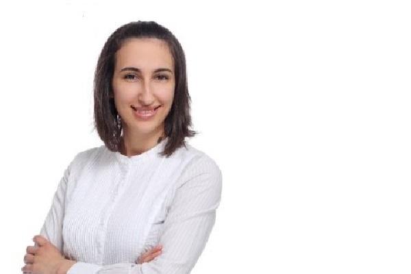 Ана Николова